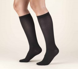 Truform Women's Diamond Knit 10-20 mmHg Trouser Socks